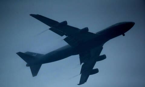 Η κίνηση ενός άνδρα έκανε όλο το αεροπλάνο να αηδιάσει (Pics)