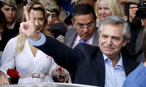Αργεντινή - Προεδρικές εκλογές: Όλα δείχνουν θρίαμβο για τον κεντροαριστερό Αλμπέρτο Φερνάντες