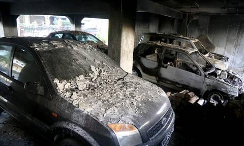 Θεσσαλονίκη: Έκαψαν δέκα αυτοκίνητα