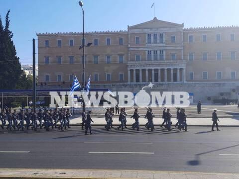 28η Οκτωβρίου: Ολοκληρώθηκε η μαθητική παρέλαση στο κέντρο της Αθήνας (pics)