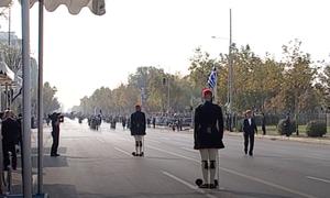 28η Οκτωβρίου: Ο τσολιάς της παρέλασης που «γκρέμισε» το Διαδίκτυο (pics)
