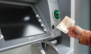 Νέες χρεώσεις - «φωτιά» στα ΑΤΜ: Πόσο θα μας κοστίζει η ενημέρωση υπολοίπου