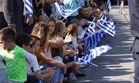 28η Οκτωβρίου: Πού έγινε παρέλαση με μια μόνο μαθήτρια (pic-vid)