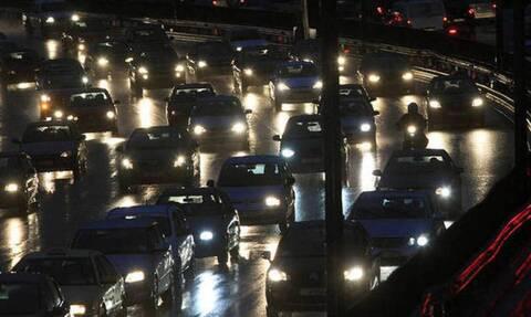 ΤΩΡΑ: Επιστρέφουν οι εκδρομείς του τριημέρου – Αυξημένη κίνηση στις εθνικές οδούς