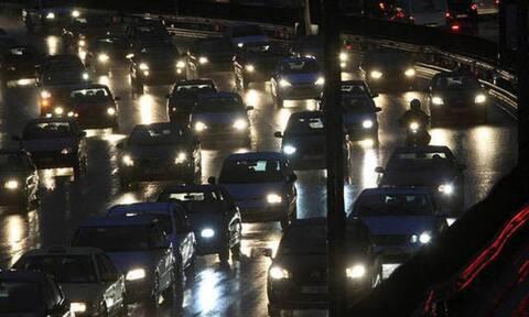 ΤΩΡΑ: Χάος σε Αθηνών - Λαμίας και Αθηνών - Κορίνθου - Επιστρέφουν οι εκδρομείς του τριημέρου
