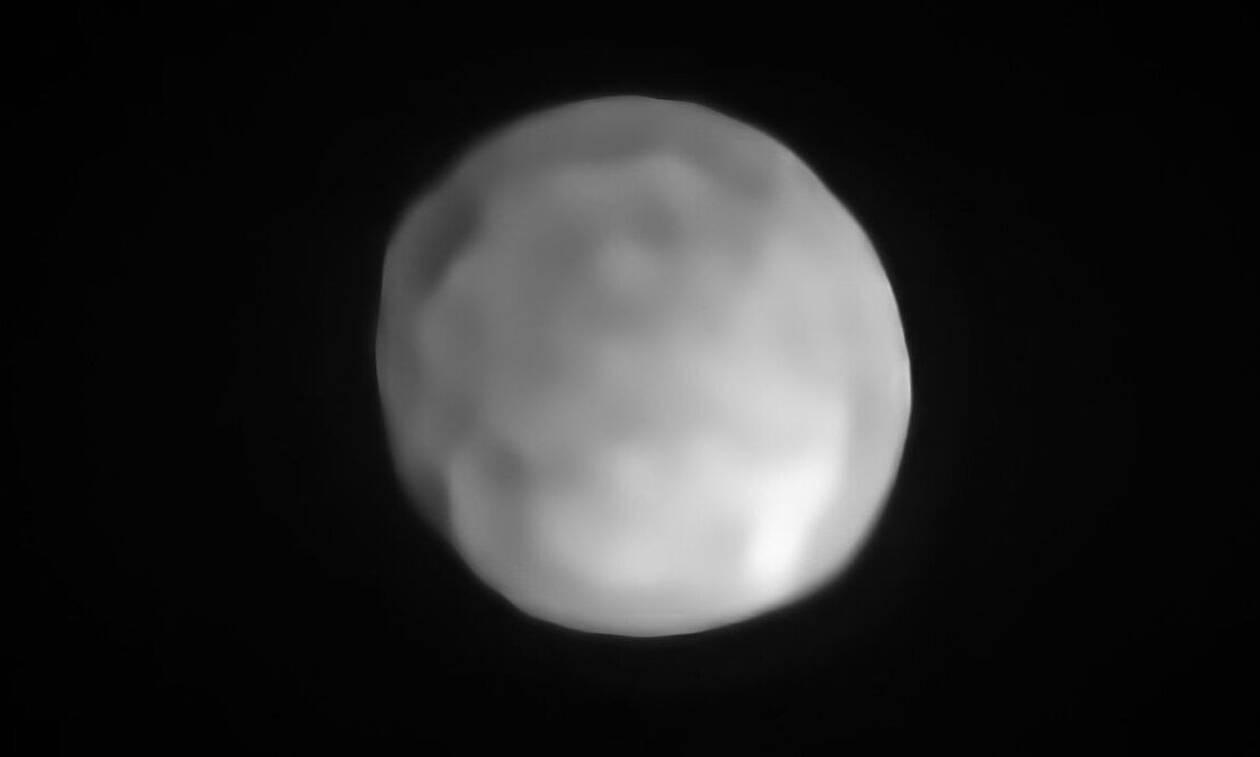 Η «Υγεία» είναι πλέον ο μικρότερος νάνος πλανήτης στο ηλιακό μας σύστημα (vids)