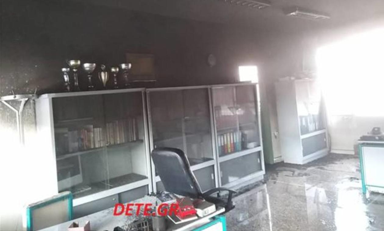 Πανικός σε Γυμνάσιο στην Πάτρα: Έριξαν 8 μολότοφ (pics)