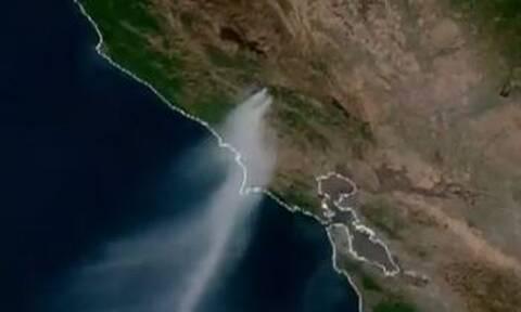 Συγκλονίζουν οι εικόνες: Πώς φαίνονται από το Διάστημα οι καταστροφικές φωτιές στην Καλιφόρνια (vid)