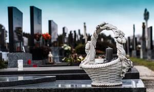 Χαμός σε κηδεία: Δείτε τι απίστευτο συνέβη (pics)