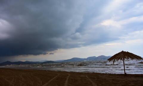 Καιρός: Επιστρέφει το φθινόπωρο με βροχές και καταιγίδες (pics)