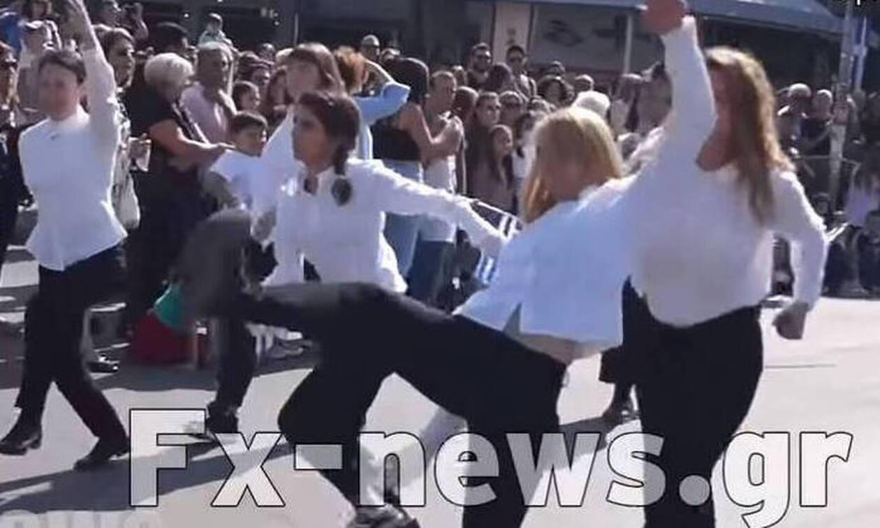 Νέα Φιλαδέλφεια: Τι λένε οι «μαθήτριες» που παρήλασαν α λα «Monty Python» και προκάλεσαν σάλο