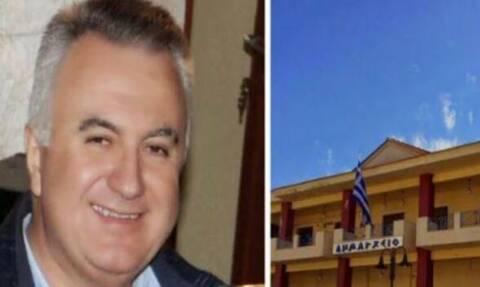 ΣΟΚ σε Δημοτικό Συμβούλιο: Πρώην Δήμαρχος έκοψε τις φλέβες του την ώρα της συνεδρίασης (vid)