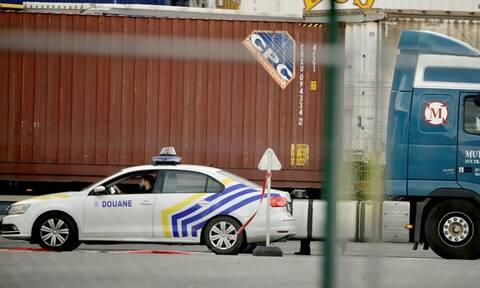 Συναγερμός στο Βέλγιο: Η αστυνομία εντόπισε ζωντανούς άλλους 12 μετανάστες σε φορτηγό - ψυγείο