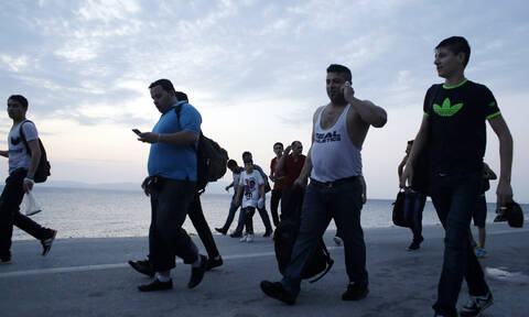 «Βόμβα» Ζέεχοφερ για το προσφυγικό: Μεγάλες αλλαγές για την Ελλάδα