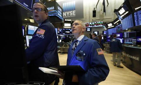 Wall Street: Ιστοτικό ρεκόρ στον S&P 500 - Νέα πτώση στην τιμή του πετρελαίου