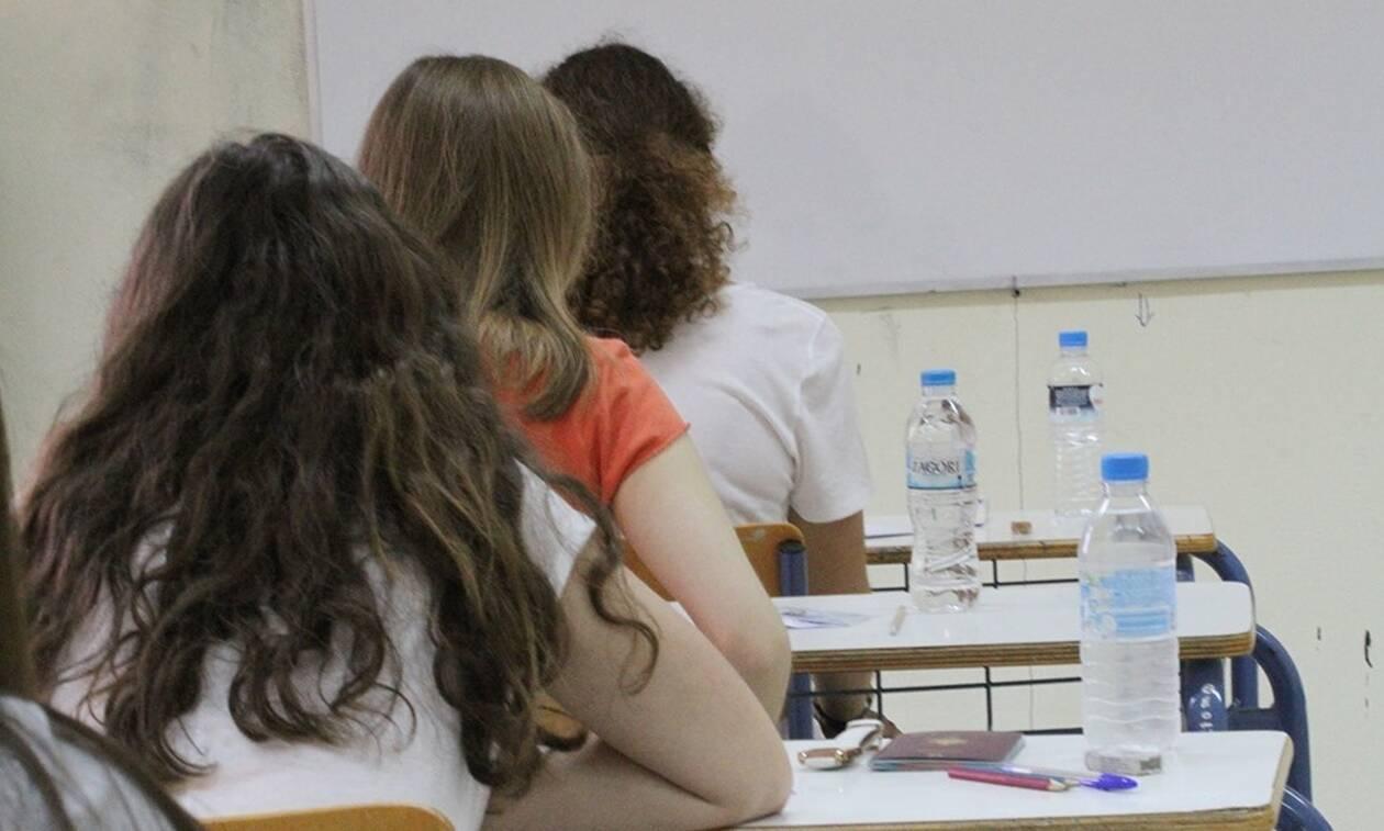 Πανελλήνιες εξετάσεις - Τι αλλάζει στις βάσεις εισαγωγής στα ΑΕΙ