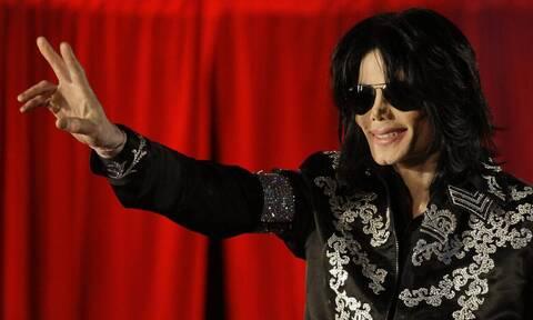 «Θησαυρίζει» και μετά θάνατον ο Μάικλ Τζάκσον – Ζαλίζουν τα έσοδά του το 2018 (pics)