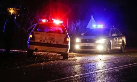 Συναγερμός στα Μέγαρα: Πυροβόλησαν ζευγάρι μέσα στο σπίτι του - Νεκρός ο άνδρας