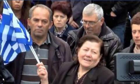 Αλβανία: Απειλούν με φυλάκιση τη μάνα του Κατσίφα για τις δηλώσεις στο μνημόσυνο του γιου της