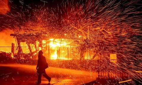 Κόλαση φωτιάς στην Καλιφόρνια: Νέα πύρινα μέτωπα - Εκκενώσεις και διακοπές ρεύματος (pics)