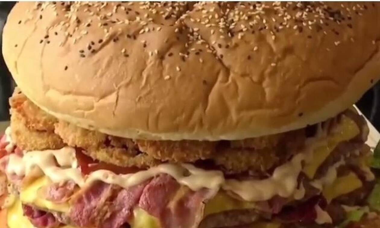 Αν φας αυτό το μπέργκερ θα πάρεις 300 ευρώ! Νομίζεις πως μπορείς;