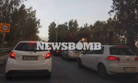 Κίνηση στους δρόμους: Κυκλοφοριακό χάος στην Αθήνα - Ποιους δρόμους να αποφύγετε