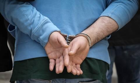 Σάλος με τον Κύπριο που οδηγούσε νταλίκα με τα πόδια - Οι κατηγορίες που αντιμετωπίζει