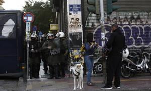 Αστυνομική επιχείρηση σε υπό κατάληψη κτήριο δίπλα στην ΑΣΟΕΕ  - Οι πρώτες εικόνες