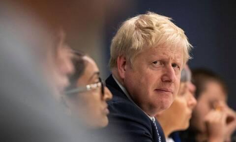 Βρετανία: Προβάδισμα 8-17 μονάδων δίνουν οι δημοσκοπήσεις στους Συντηρητικούς