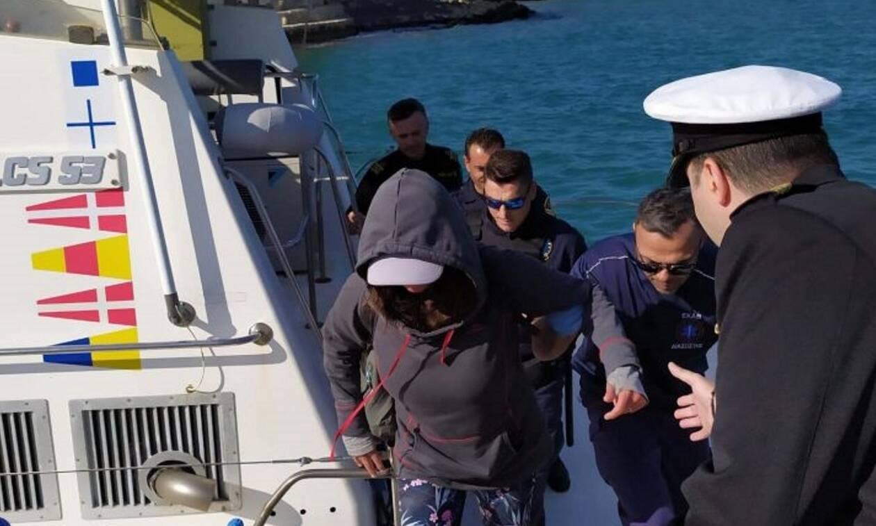 Φολέγανδρος: Αυτή είναι η 45χρονη που διασώθηκε στην μέση του Αιγαίου