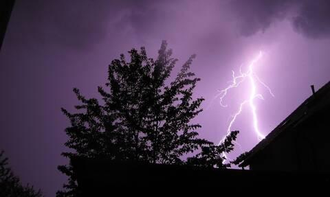 Καιρός: Έρχονται βροχές και καταιγίδες - Πού θα «χτυπήσει» η κακοκαιρία τις επόμενες ώρες