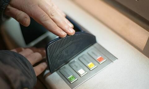 Νικολακόπουλος στο Newsbomb.gr: «Αδικαιολόγητη επιβάρυνση των καταναλωτών από τις τράπεζες»