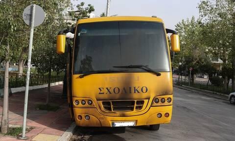 Σοβαρό τροχαίο με σχολικό λεωφορείο στη Βούλα – Πληροφορίες για τραυματισμένα παιδιά