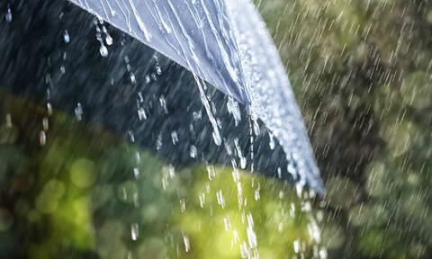 Σου μυρίζει η βροχή; Καλύτερα να διαβάσεις κάτι