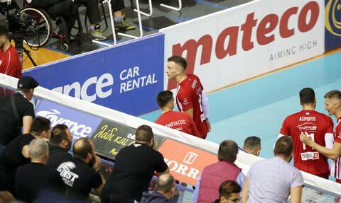 Η στιγμή των επεισοδίων στο ΠΑΟΚ - Ολυμπιακός για τη Volleyleague