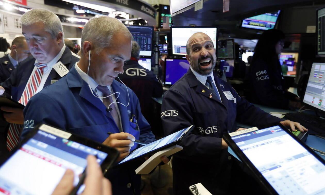 Νέα ιστορικά ρεκόρ στους δείκτες της Wall Street - Άνοδος στο πετρέλαιο