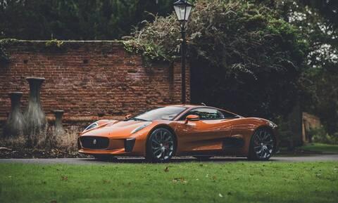 Πωλείται μια σπάνια Jaguar C-X75 από ταινία του James Bond