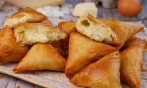 Η συνταγή της ημέρας: Τυροπιτάκια με φύλλο κρούστας