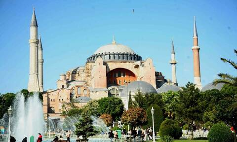 Δραματικές εξελίξεις: Έτοιμοι οι Τούρκοι να κάνουν τζαμί την Αγιά Σοφιά – Προκλητικό πρωτοσέλιδο