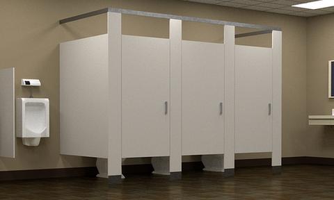 Γιατί οι πόρτες στις δημόσιες τουαλέτες δεν φτάνουν στο πάτωμα;