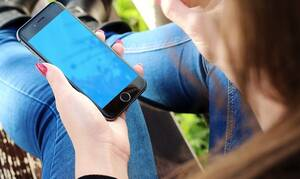 Τέλος στην ταλαιπωρία: Υπεύθυνες δηλώσεις και εξουσιοδοτήσεις από το κινητό τηλέφωνο
