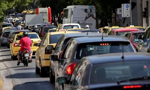 Οριστικό: «Δώρα» θα δοθούν μόνο για την αγορά ηλεκτρικών αυτοκινήτων