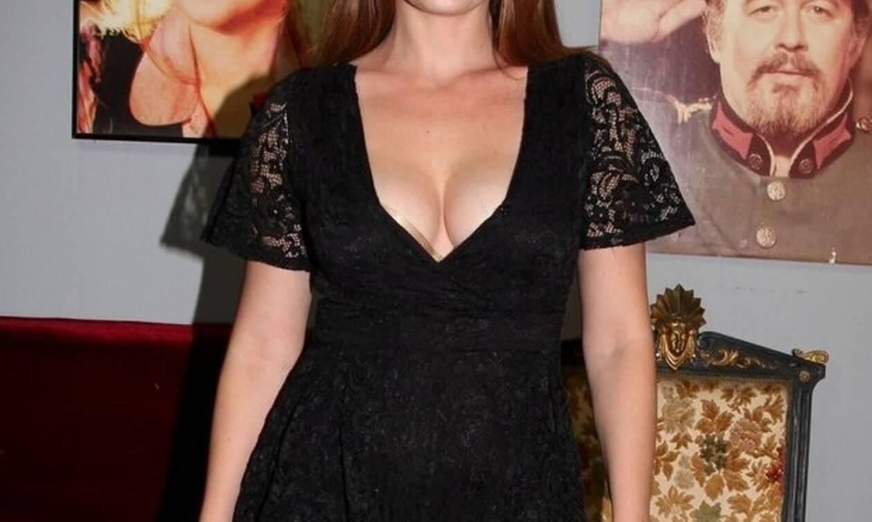 Ελληνίδα ηθοποιός σε καυτή εμφάνιση! (pic)