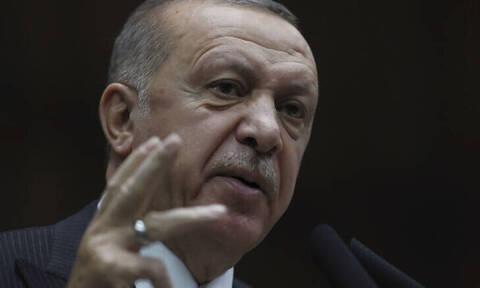 Ερντογάν για Συρία: Η διορία έχει λήξει, αλλά οι τρομοκράτες μένουν – Τι θα συζητήσει με τον Τραμπ