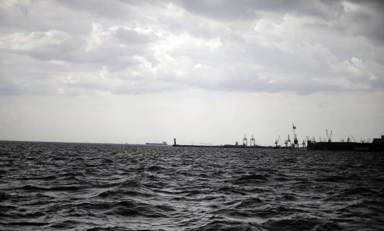 Θρίλερ στην Θεσσαλονίκη: Πτώμα άνδρα επέπλεε στον Θερμαϊκό