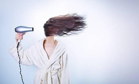 Τρομακτικό: Πήγε να βάψει τα μαλλιά της - Ούρλιαζε με αυτό που έπαθε