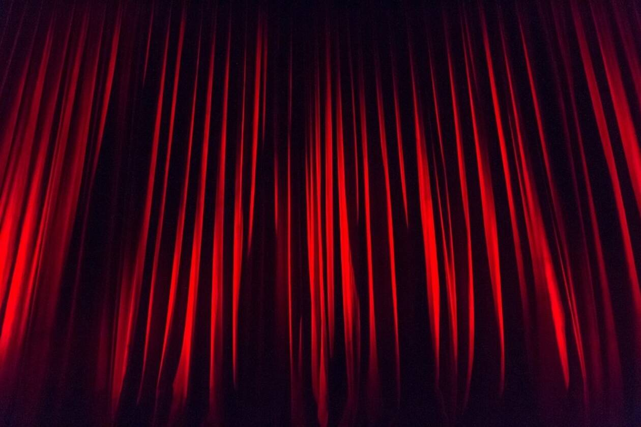 stage-curtain-660078_960_720.jpg