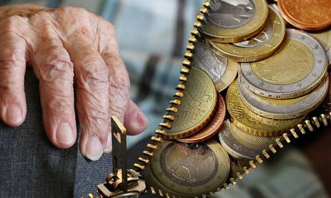 Αλαλούμ με τις συντάξεις χηρείας: Επιστροφές έως 480 ευρώ ζητεί το Δημόσιο (vid)