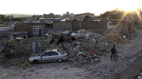 Σεισμός στο Ιράν: Τουλάχιστον τρεις νεκροί και 20 τραυματίες από το «χτύπημα» του Εγκέλαδου