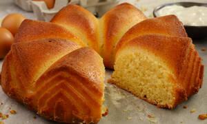 Ετοιμάστε λαχταριστό κέικ γιαουρτιού